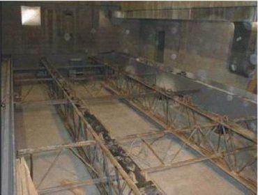 Fotografia modelu poschodia (bol dlhý 10m) pred testom
