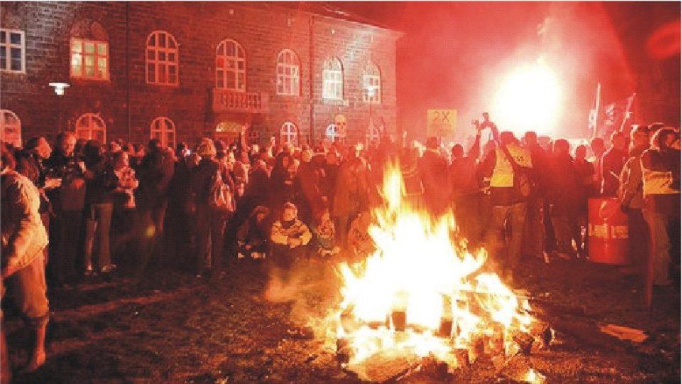 233. Islandská revoluce