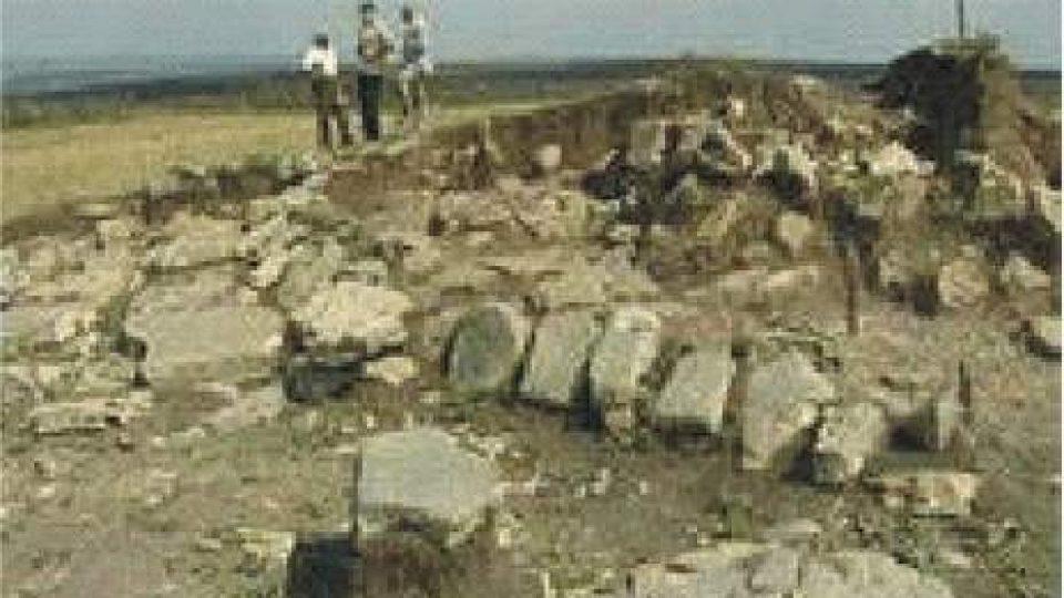 113. Na Ukrajině byly objeveny pyramidové stavby staré 5 tisíc let