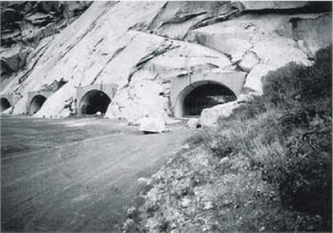 Podzemní základny, tunely, systémy