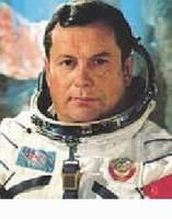 Generál Pavel Romanovič POPOVIČ (* 05.10.1930) VESMÍRNÉ MISE: 12.08.1962 - 15.08.1962 (Vostok 4) 03.07.1974 19.07.1974 (Sojuz 14, Saljut 3)